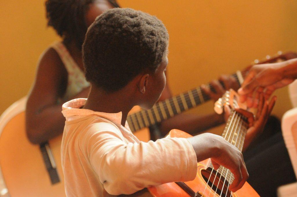 guitar, africa, black-435094.jpg